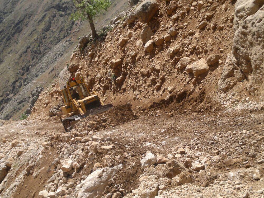 بیش از ۲۵۰ کیلومتر  از ایلراههای بخش بازفت شهرستان کوهرنگ بازگشایی شد